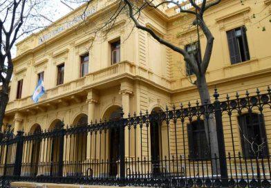 Denunciaron presencia policial en clase pública del Mariano Acosta