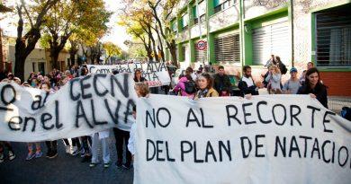 La Comunidad de la Escuela Álvarez Thomas defiende su natatorio