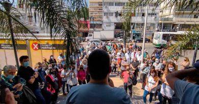 Comuna 12: Emotivo reconocimiento a lxs trabajadorxs esenciales de la Salud y la Educación en el Hospital Pirovano